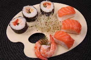 Restaurant Bambus Bistro in Rosenheim - Der Wok und Sushi Imbiss mit Asia-Spezialitäten und einer Sushi Bar.
